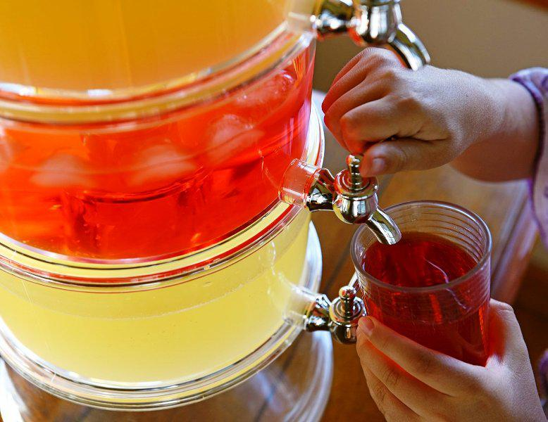 10 Gallon Acrylic Beverage Dispenser
