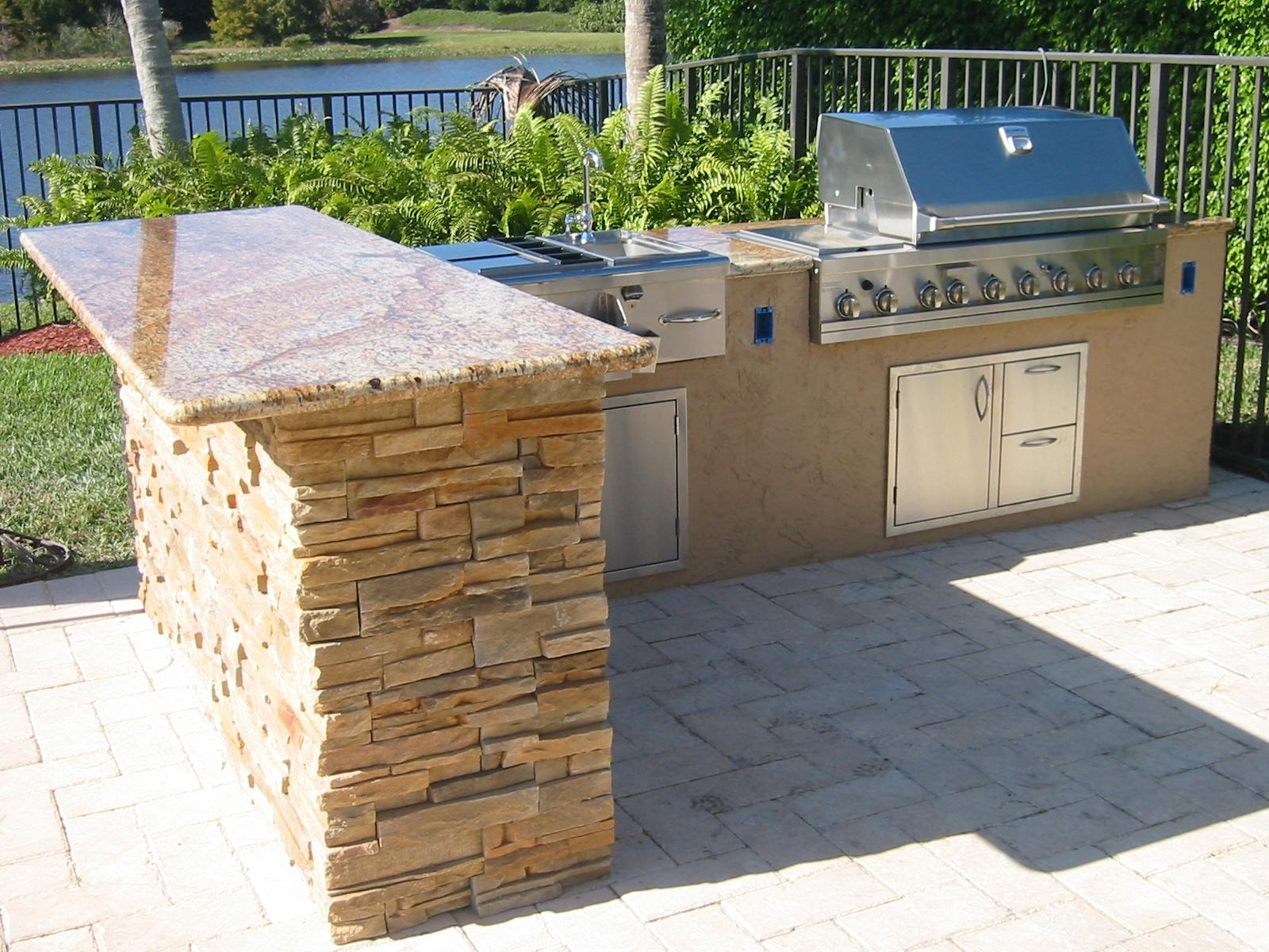 Diy Outdoor Grill Islands With Concrete - Madison Art ... on Diy Patio Grill Island id=44207