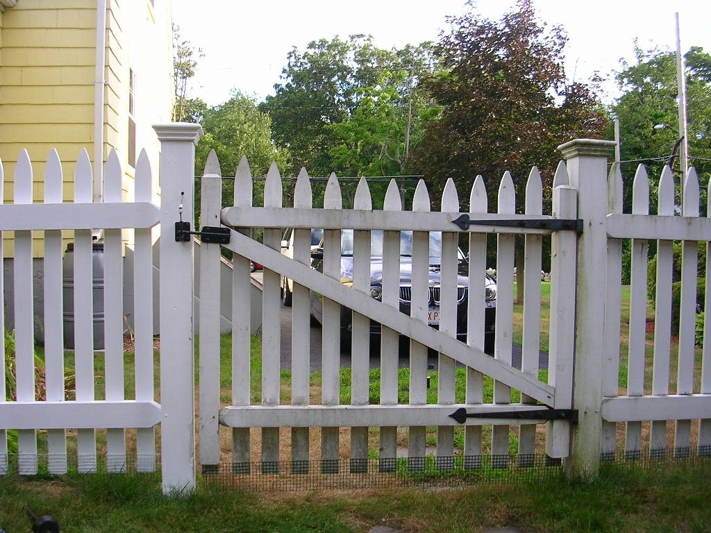 How To Make A Picket Fence Gate Madison Art Center Design