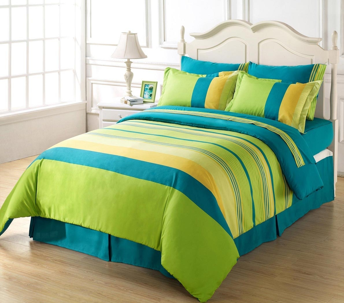 Madison Art Center Design: Lime Green And Blue Sheets
