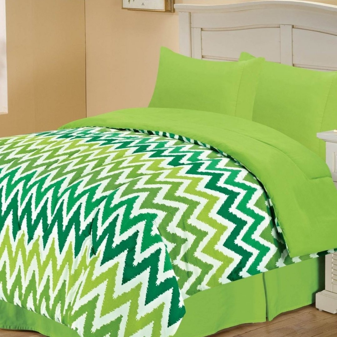 Madison Art Center Design: Look Fresher With Lime Green Sheets