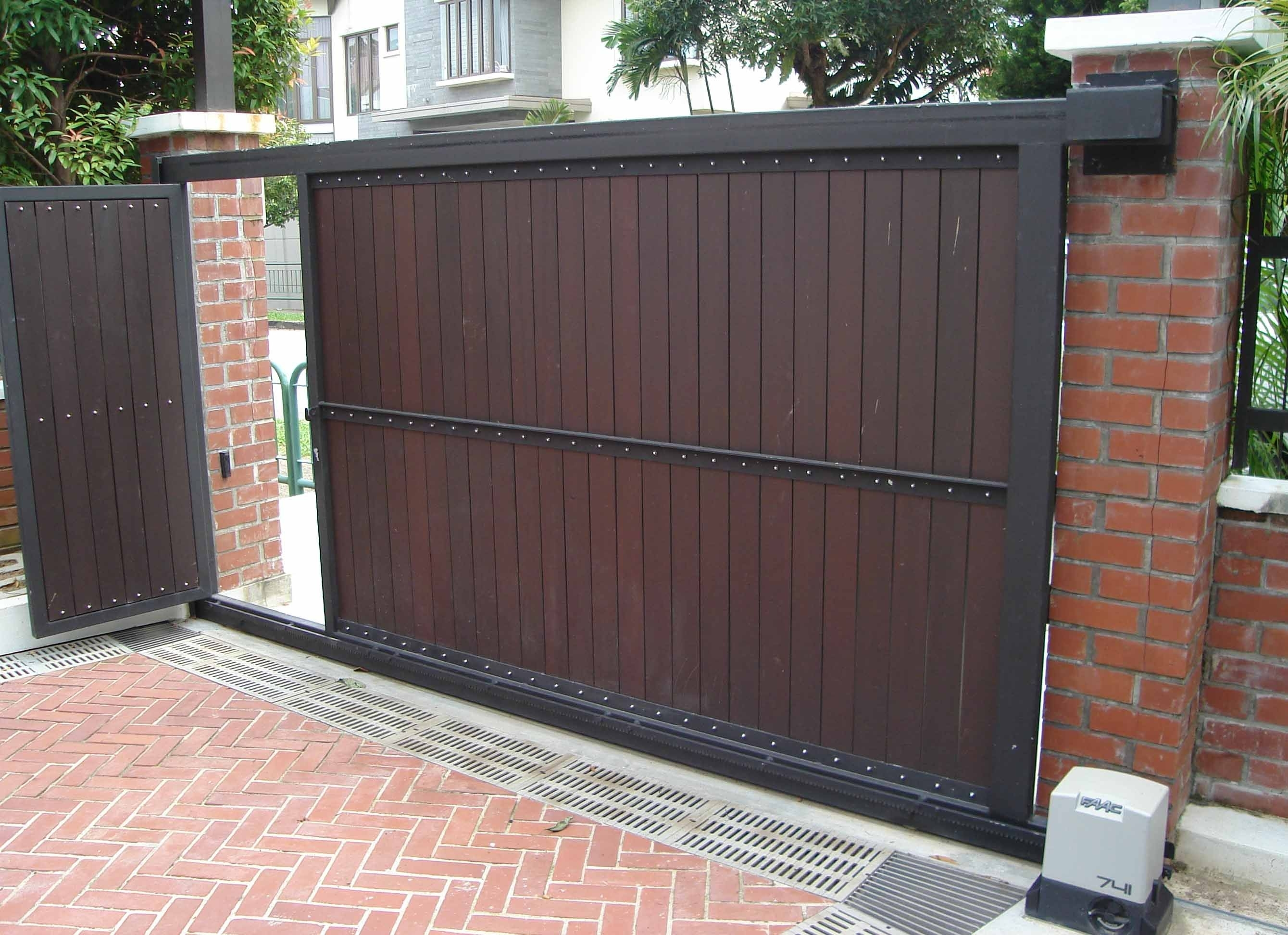 Automatic sliding gates what does a finish nail look like?